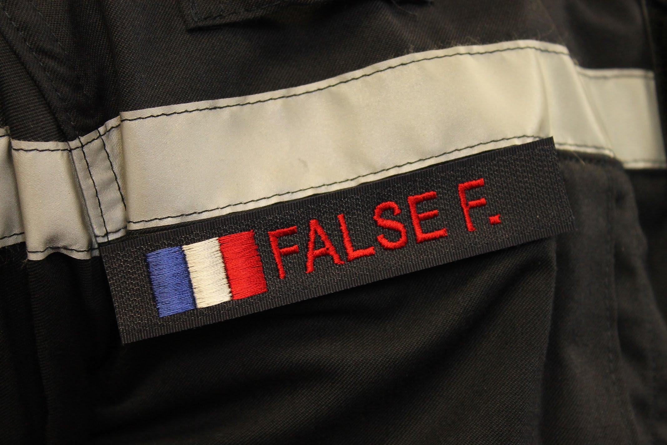 DBB Uniformes fabricant de nombreux écussons, bande de fonction et bande patronymique pour Sapeurs-Pompiers